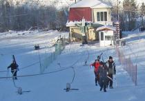 Жители города Читы с желанием занимаются зимними видами спорта
